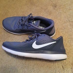 Never worn Nike Flex 2017